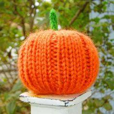 knit a jack o' lantern for Halloween or a cornucopia for Thanksgiving