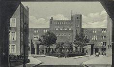 Galerijwoningen aan de Justus van Effenstraat in de wijk Spangen. (datering:1929, 2005-507)