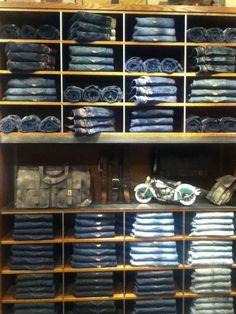 Denim Visual Merchandising_Just Jeans Retail Merchandising Display Clothing Store Interior, Clothing Store Design, Visual Merchandising Fashion, Retail Merchandising, Denim Display, Showroom Interior Design, Store Layout, Retail Store Design, Store Interiors
