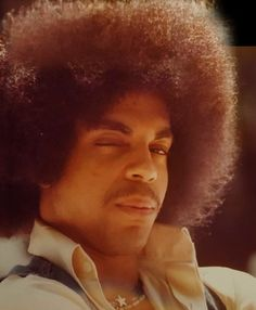 Celebrating the life, legacy, achievements and artistry of Prince Rogers Nelson. Baby Prince, Young Prince, Afro, Prince Images, The Artist Prince, Prince Purple Rain, Roger Nelson, Prince Rogers Nelson, Purple Reign