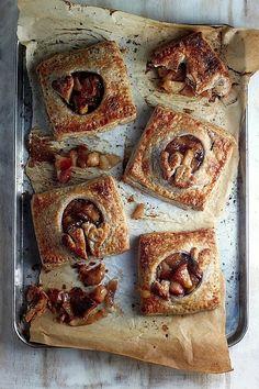 Cinnamon Apple Bourbon Hand Pies with Whole Wheat Crust | bakerbynature.com