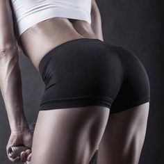 7 Booty-Sculpting Exercises with a Bonus