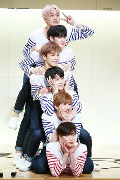 Smile Tumblr, Jinjin Astro, Astro Wallpaper, Lee Dong Min, Astro Fandom Name, Eunwoo Astro, K Pop Music, Sanha, Backgrounds
