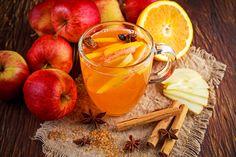 Az almapuncsban az a zseniális, hogy ihatjuk alkoholmentesen, akár a gyerkőcökkel együtt is, de elkészíthetjük alkoholosan is, akár egy vendégváró italként. Bármelyiket választjuk, egészen biztosan nem fogunk csalódni a végeredményben.Az almapuncs tipikusan egy olyan ital, amit az ünnepekkor…