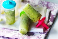 Quarter Life (Crisis) Cuisine: Cooling off the Summer -- Kiwi Moscato Popsicles