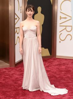 Cristin Milioti in a pale strapless number. #Oscars #redcarpet #AcademyAwards