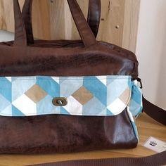 Pic et Pic et Cousu Main sur Instagram: Voici le petit dernier 😉. Un sac à langer reconverti en sac d'infirmière libérale.👜 Tissu enduit pour être facilement lavable. Multipoches…