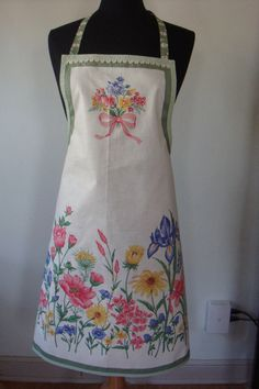Flower Bouquet Full Apron. Refashioned from a vintage tablecloth?