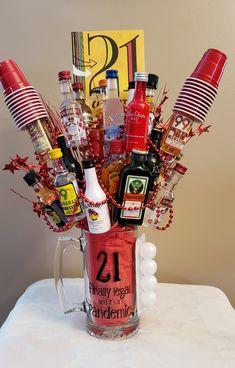 Liquor Gift Baskets, Themed Gift Baskets, Birthday Gift Baskets, Wine Baskets, 21st Birthday Presents, Cute Birthday Gift, 21 Birthday, Birthday Ideas, Homemade Gift Baskets