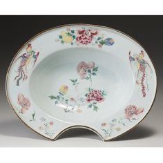 A CHINESE EXPORT FAMILLE-ROSE BARBER'S BOWL, CIRCA 1740.
