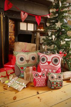 Christmas Owls...I think I'm starting to have an owl obsession...