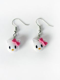 Hello Kitty earrings Paper Quilling Earrings, Paper Quilling Flowers, Paper Quilling Patterns, Quilling Paper Craft, Quiling Earings, Paper Jewelry, Paper Beads, Jewelry Crafts, Creeper Minecraft