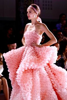 """chiffonandribbons: """" Ralph & Russo Couture S/S 2016 """""""