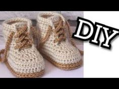 Baby Booties Converse Lace up shoes Easy )year DIY Crochet Baby Sneakers Crochet Baby Cardigan, Crochet Baby Boots, Crochet Shoes, Diy Crochet, Baby Booties Free Pattern, Baby Shoes Pattern, How To Lace Converse, Baby Slippers, Baby Sneakers