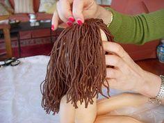 come fare i capelli lisci alle bambole