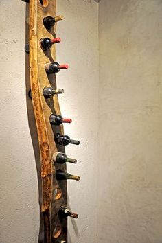 e' sicuramente uno degli oggetti di arredo più particolari, si tratta di assi in legno massello selezionate e poi forate per tenere bottiglie del SESTINI E CORTI Home Decor Furniture, Rustic Furniture, Home Wine Cellars, Wine Rack Storage, Decoration Originale, Wine Bottle Holders, Diy Wood Projects, Diy On A Budget, Diy Woodworking