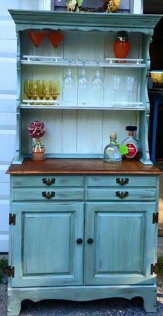 ideas for painting furniture ideas hutch china cabinet makeovers Glass Furniture, Paint Furniture, Furniture Projects, Kitchen Furniture, Hutch Furniture, Painted China Cabinets, Painted Hutch, Hutch Makeover, Furniture Makeover
