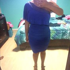 Royal Blue dress Great condition. Ladies, don't be scared to make me an offer! I am all for lowering the price, my pricing is not set and will accept a reasonable offer!!  Keep in mind most of my items are brand new so please no lowballing☺️ enjoy my closet .        .           .         . Absolutely NO trades  Dresses