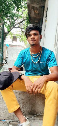 smart look Gulshan Kumar, Hats, Fashion, Moda, Hat, Fashion Styles, Fashion Illustrations, Hipster Hat