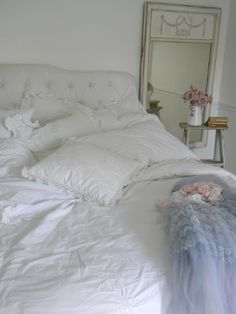 Simply me: white bedding for spring ...