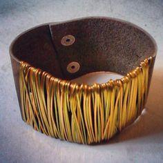 Brazalete de cuero con alambre  #wirejewelery #pushkala  https://www.facebook.com/pages/PUSHKALA/113587745841