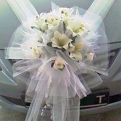 http://divineweddingplus.com/wp-content/uploads/2011/11/Wedding-Car-Flowers-decoration-03.jpg
