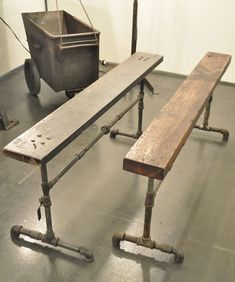 Furniture from pipes. For the movie room.a sofa table that could double as a bar with stools? Pipe Furniture, Industrial Furniture, Furniture Projects, Industrial Style, Wood Projects, Furniture Design, Industrial Pipe, Design Industrial, Furniture Vintage