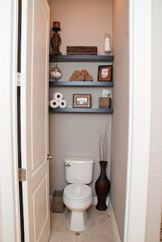 Bathroom Make Over: Shelves above toilet....want/need to do this in kids' bathroom