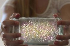 Fairies in a jar – Put diamond glitter in a mason jar, then add juice from a glow stick. Put the lid on the jar and shake it up.