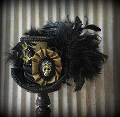 Mini Top Hat Vampiress Olive Green Mini Top Hat Halloween Alice In  Wonderland Hat 1f32ccc41458