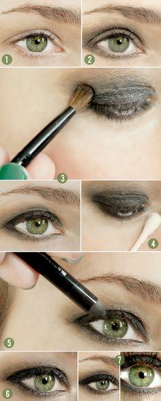 tutorial on bubbyandbean.com >> smokey eyes in 5 minutes or less!