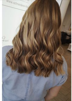 Hair color by milkshake Blonde Balayage, Blonde Highlights, Blonde Hair, Bob, Long Hair Styles, Milkshake, Hair Colors, Beauty, Shaving Machine