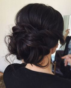 low bun wedding updo hairstyles via tonyastylist / http://www.himisspuff.com/beautiful-wedding-updo-hairstyles/18/ #BeautifulWeddingHairStyles