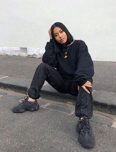 streetwear fashion How to get Adidas Yeezy Boost 500 Utility Black sneakers Mode Outfits, Trendy Outfits, Fashion Outfits, Womens Fashion, Sneakers Fashion, Fashion Shoes, Black Outfits, Yeezy Fashion, Urban Fashion Women