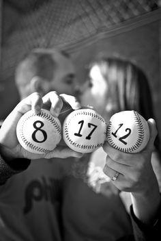 baseball engagement photos #pizzoroycewedding