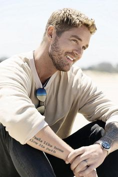 Brett Young, 2018 ACM New Male Vocalist of the Year, will make a stop at The Joint at Hard Rock Hotel & Casino Las Vegas on Friday, March 22 as part of his 2019 North American tour. Male Country Artists, Male Country Singers, Cute Country Boys, Country Men, Country Music Quotes, Country Music Stars, Hard Rock Hotel, Chris Young Music, Las Vegas