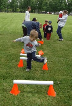 Carnival games preschool obstacle course 57 new Ideas Field Day Activities, Field Day Games, Gross Motor Activities, Preschool Activities, Physical Activities, Movement Activities, Fun Games, Games For Kids, Course À Obstacles