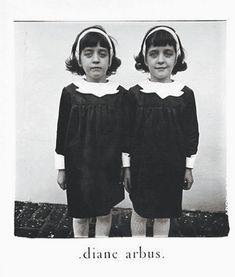 ダイアン・アーバスはファッションからフリークスなど様々な被写体を撮影した。                              …