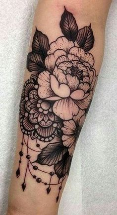 Cute henna lace arm tattoo ideas you should try 10