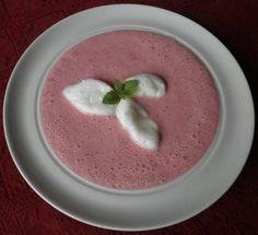 Das perfekte Kalte Erdbeersuppe ...-Rezept mit Bild und einfacher Schritt-für-Schritt-Anleitung: Erdbeeren waschen, putzen und klein schneiden. Zusammen…