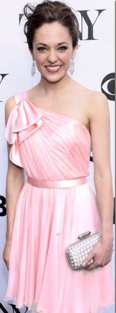 Laura Osnes gown