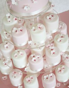 Mini pink Wedding Cakes As Favors and mini wedding cakes calgary
