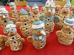 snowman Clay Projects For Kids, 3d Art Projects, Kids Clay, Classroom Art Projects, Ceramics Projects, Crafts For Kids, Ceramic Pottery, Ceramic Art, Pottery Workshop