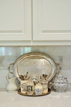 Home Interior Accessories, Kitchen Accessories, Vintage Home Accessories, French Decor, French Country Decorating, Kitchen Redo, Kitchen Styling, Kitchen Design, Kitchen Vignettes