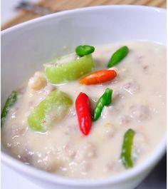 หลนเต้าเจี้ยว เป็นอาหารแปรรูปจากเต้าเจี้ยวขาว (สามารถดูวิธีหมักเต้าเจี้ยวขาวได้ในเว็บไซต์) จัดอยู่ในหมวดเครื่องจิ้ม มีรสชาติเค็ม เปรี้ยวแ...