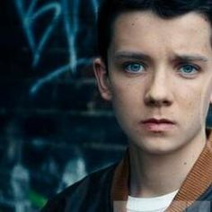 Asa Butterfield in Ender's Game....THE FACE THOUGH---THE FACE OF TEARS AND PAIN AND THE PITH OF MY FANGIRL MELTDOWNS...*okay, I'm calm now*