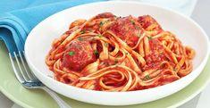 Sriracha sauce adds a different kind of kick to your ordinary spaghetti. Pasta Sauce Recipes, Tomato Sauce Recipe, Pork Meatballs, Spaghetti And Meatballs, Easy Filipino Recipes, Good Food, Yummy Food, Delicious Recipes, Pasta Noodles