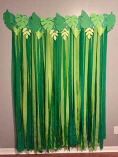 Palm leaf backdrop for animal/zoo/safari/jungle or dinosaur themed birthday party!