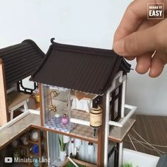 Easily create unique furniture with Perfect Ideas pallets . Miniature Rooms, Miniature Crafts, Miniature Houses, Miniature Furniture, Modern Dollhouse Furniture, Miniature Tutorials, Diy Doll Miniatures, Polymer Clay Miniatures, Minecraft Banner Designs