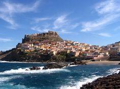 Itália, CASTELSARDO Situada da Sardenha, esta cidadezinha possui 5000 habitantes, centenas de anos de história e uma incrível vista do Mediterrâneo